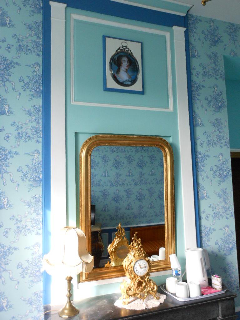 Suite des favorites agn s sorel madame de maintenon for Miroir dans la chambre